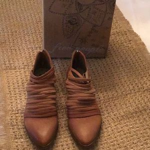 NIB Free People shoes size 9